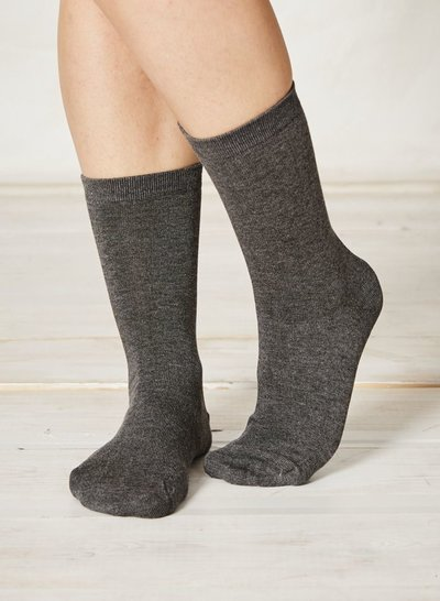 Solid Jackie Plain Bamboo Socks Charcoal